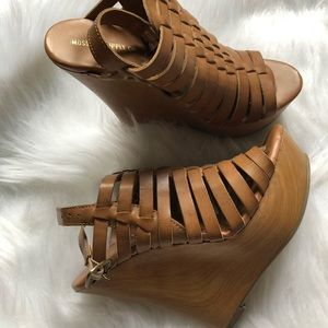 Mossimo tan wedges